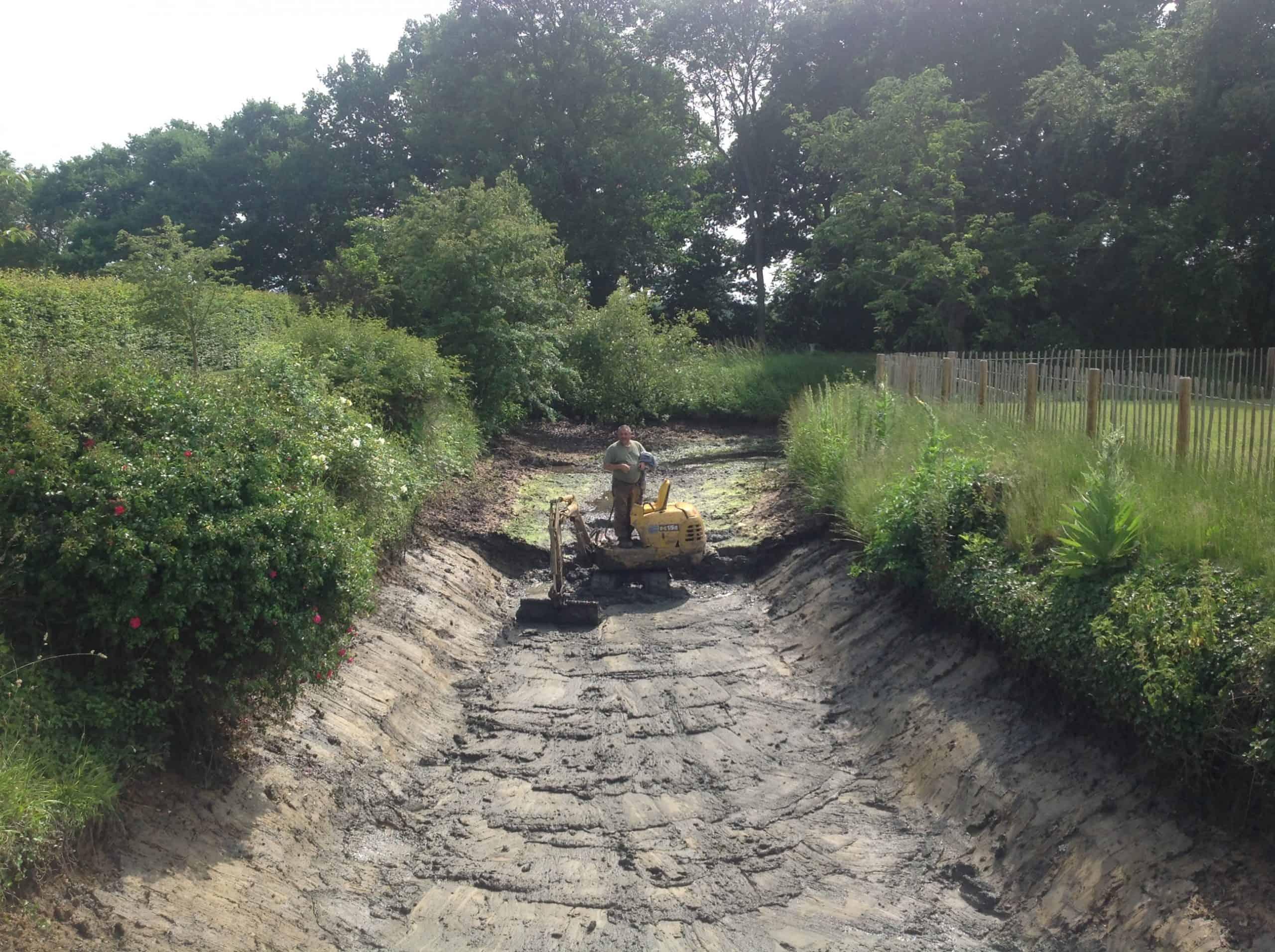 Tom & Isabella moat Essex dredge out start